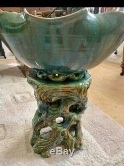 Majolica Ceramic Water Fountain in great condition very rare