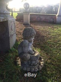 Beaux Vintage Grecian Old Stone Cornucopia Jardin Fontaine D'eau Chérubin Spout