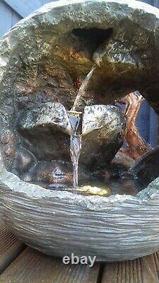 Boule Ouverte Superbe Led Rocher Fontaine D'eau Jardin D'ornement Caractéristiques