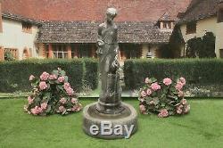 Eau Verser Lady Garden Jug Fontaine D'eau Ornement De Fonction