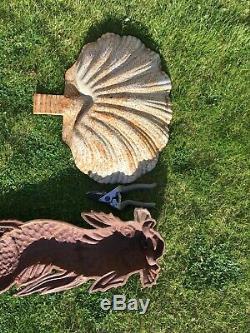 Ensemble Paroi De Cru De Fer Monté Dauphin Poisson Serpent Et De L'eau De Mouillage Shell