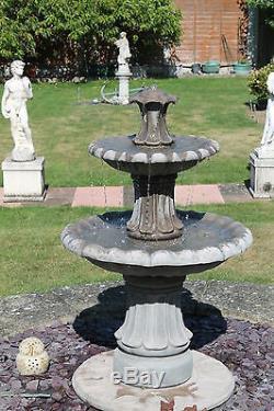Fontaine D'eau Extérieure En Pierre Avec Pompe Solaire Ornamente