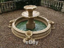 Fontaine De Jardin À Deux Niveaux Avec Fonte D'eau