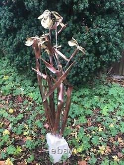 Fontaine/ Eau De Jardin Caractéristique Iris Fleur -sculpture En Cuivre Artisanal