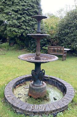 Fontaine En Fonte, Caractéristique D'eau De 3 Niveaux En Fonte, Caractéristique D'eau Du Centre