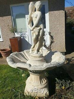 Grande Pierre Italienne Bowled Fontaine De Jardin Avec L'ornement D'eau Caractéristiques