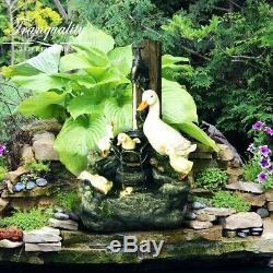 Groupe D'eau Solaire De Famille De Canard, Fontaine De Jardin Avec Lumières, Fontaine D'eau De Canard