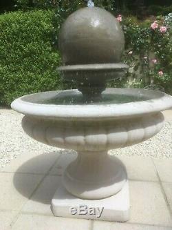 Pierre Hampshire Jardin Ballon D'eau Fontaine Feature Pompe Solaire