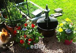 Pompe À Main Barrel Eau Feature Fontaine Solaire Rural Rustique Effet Jardin